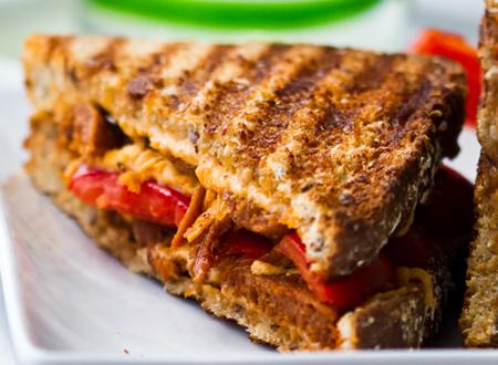 Topli sendviči od starog hleba
