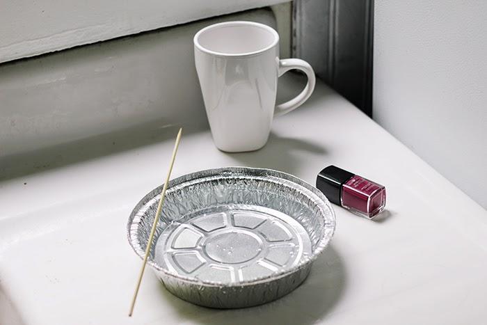 DIY (uradi sam) šoljice za kafu mramornom tehnikom - potreban materijal.