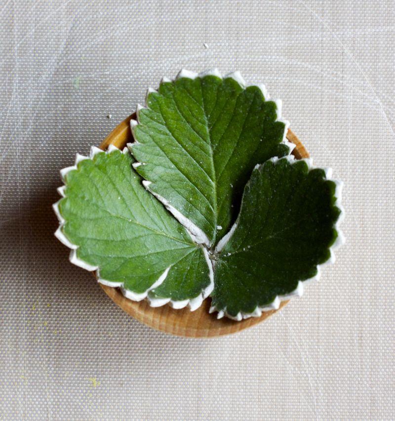 Umesto folije može se koristiti i drvena činija.