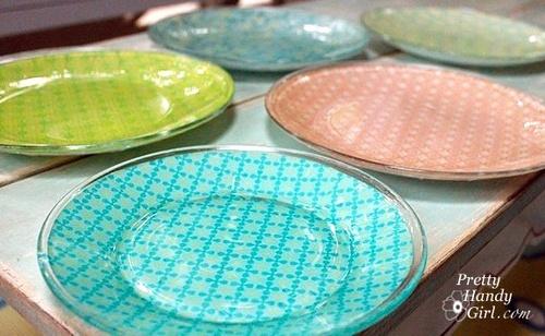 Dekoracija tanjira dekupaž tehnikom.