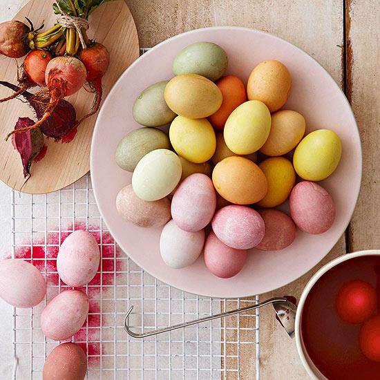 farbanje jaja prirodno