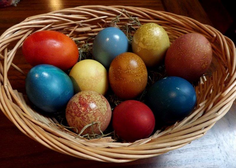 farbanje jaja prirodno1