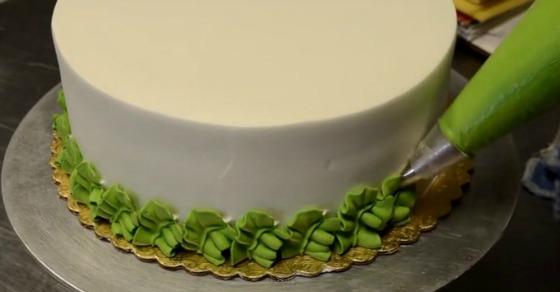 dekoracija-torte-šlagom