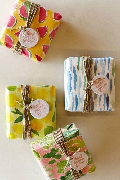 pakovanje-poklona-sareni-papir