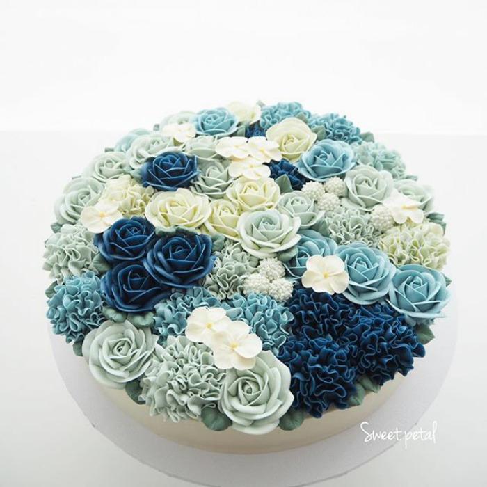 dekoracija-torte-plavo-cveće
