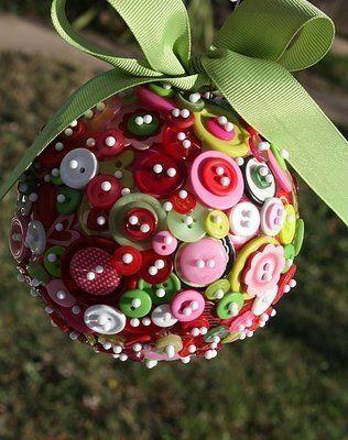 novogodišnji-ukras-dugmići