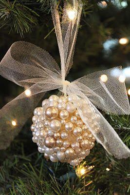 novogodišnji-ukras-od-perlica-sa-mašnom